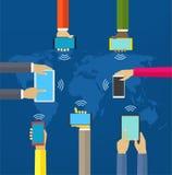 Manos con los teléfonos Manos de la interacción usando móvil y otros dispositivos digitales stock de ilustración