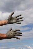 Manos contra el cielo Foto de archivo libre de regalías