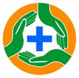 Manos de la asistencia médica alrededor del logotipo más ilustración del vector