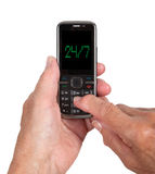 Manos de la mujer mayor con un teléfono móvil Fotos de archivo