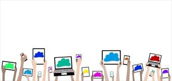 Manos de los niños de BYOD con la bandera de los ordenadores y de las nubes