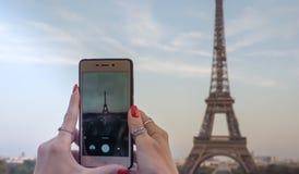 Manos de París foto de archivo