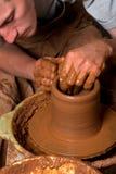 Manos de un alfarero Foto de archivo libre de regalías