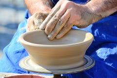 Manos del alfarero Imagen de archivo libre de regalías