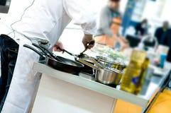Manos del cocinero Fotografía de archivo libre de regalías