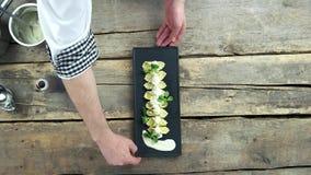 Manos del cocinero, comida italiana almacen de video