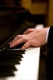 Manos del piano Fotografía de archivo libre de regalías