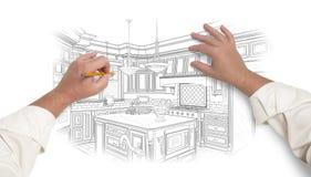 Manos masculinas que bosquejan la cocina de encargo hermosa imagenes de archivo