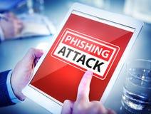 Manos que celebran ataque del phishing de la tableta de Digitaces imagen de archivo