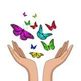 Manos que lanzan mariposas de monarca coloridas Ilustraci?n del vector ilustración del vector