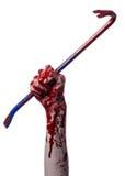 Manos sangrientas con una palanca, gancho de la mano, tema de Halloween, zombis del asesino, fondo blanco, palanca aislada, sangr foto de archivo