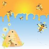 Manosee la invitación del partido de la abeja con la colmena Imagenes de archivo