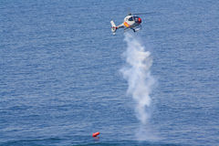 Manovri l'elicottero. fotografie stock
