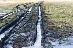 Manque rural de routes en hiver photo stock