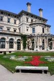 A mansão dos disjuntores no ponto do ocre em Newport, Rhode - console fotografia de stock royalty free