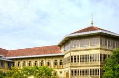 Mansão real de Vimanmek em Tailândia Fotos de Stock Royalty Free