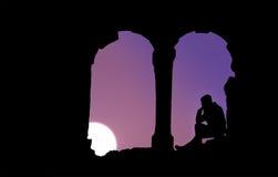 Mansammanträde på solnedgången Fotografering för Bildbyråer