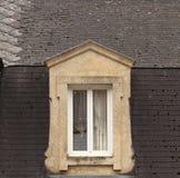 Mansardenfenster, Frankreich Lizenzfreies Stockfoto
