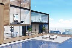 Mansión de lujo con una piscina en el tejado, lado Fotografía de archivo