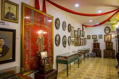 Mansión de Pinang Peranakan, un museo que contiene antigüedades y que muestra las aduanas de Peranakans, diseño interior y formas Foto de archivo