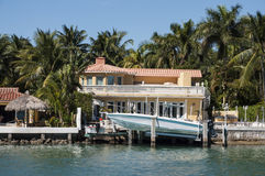 Mansión lujosa en la isla de la estrella en Miami Imágenes de archivo libres de regalías