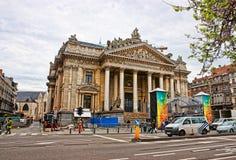 Mansión vieja con las columnas en Dresden en Alemania foto de archivo libre de regalías