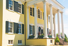 Mansion entrance. A view of elaborate woodwork and high columns on the porch and entryway to the grand  Oatlands plantation mansion, Leesburg, Virginia Stock Photos