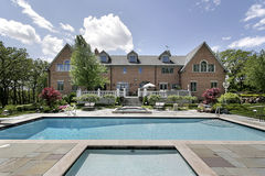 Mansion with swimming pool Royalty Free Stock Photo