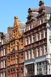 Mansiones británicas típicas del ladrillo rojo Fotos de archivo libres de regalías