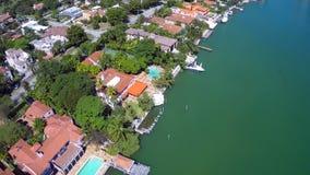 Mansiones de lujo de la costa en Miami almacen de video