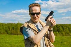 Manskyttet från sportvapnet Royaltyfri Foto