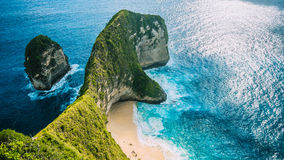 Manta-Bucht oder Kelingking-Strand auf Insel Nusa Penida, Bali, Indonesien lizenzfreie stockbilder