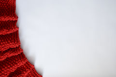 Manta raddish hecha punto en un fondo blanco con el espacio de la copia Foto de archivo libre de regalías