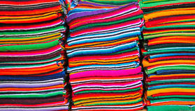 Mantas mexicanas coloridas Fotos de archivo
