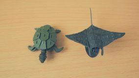 Mantastraal en schildpad stock foto's