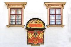 Manteau des bras de Ferdinand I dans le palais de Hofburg, Vienne Photos stock