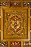Manteau des bras du pape Clement VIII Photos stock