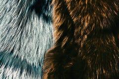 Manteau velu teint dans la couleur verte et grise brunâtre, plan rapproché photos libres de droits