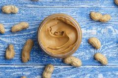Manteiga de amendoim no frasco imagem de stock royalty free