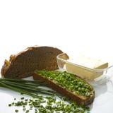 Manteiga e cebolinhos do pão Imagem de Stock Royalty Free