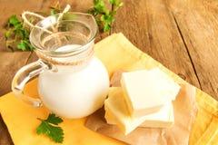 Manteiga e leite fotos de stock