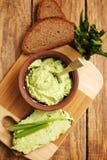 Manteiga picante com alho selvagem Imagens de Stock Royalty Free