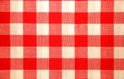 Mantel marcado con cuadros del rojo y blanco Imagenes de archivo