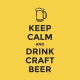 Mantenga cerveza tranquila y de la bebida del arte Foto de archivo
