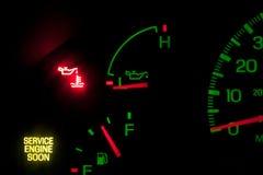 Mantenga la presión del aceite de motor Imagen de archivo