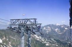 Mantenimento dell'ascensore della teleferica nella m. austriaca Immagine Stock Libera da Diritti