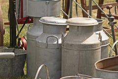 Mantequeras de leche viejas Fotografía de archivo libre de regalías