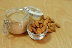 Mantequilla de cacahuete de la almendra Foto de archivo libre de regalías