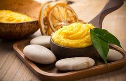 Mantequilla del cuerpo del mango. Foto de archivo libre de regalías