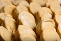Manti van de ravioli op lijst Stock Foto's